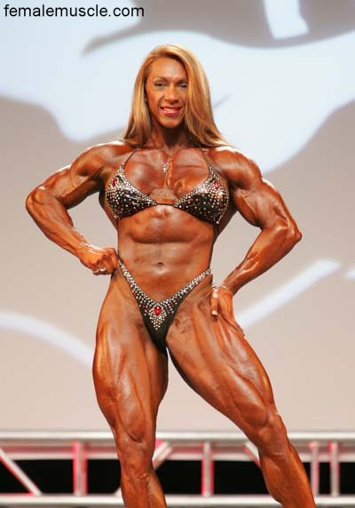 Female bodybuilder is accused of spreading porn after
