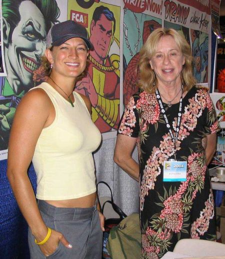 zoe-bell-and-jeannie-epper-comiccon-2004.jpg